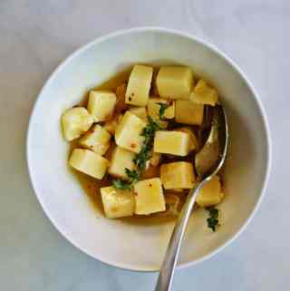 Honey-Thyme Marinated Sharp Cheddar | anutritionisteats.com