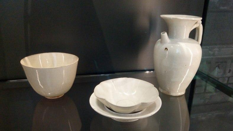 White_teaware_-_Tang_dynasty