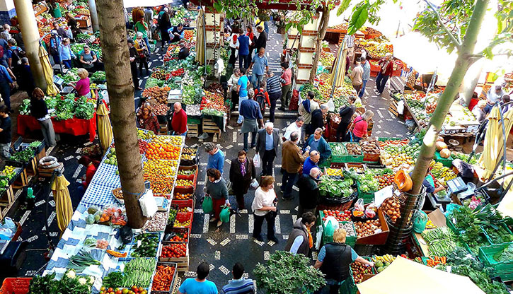Mercado dos Lavradores – A visual feast of colours