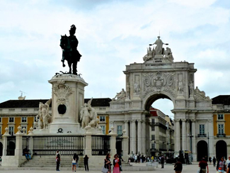 Rua Augusta Triumphal Arch and a statue of King Dom Jose I in Lisbon's Commerce Square