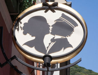 The logo of the icon of Heidelberg - The Student Kiss