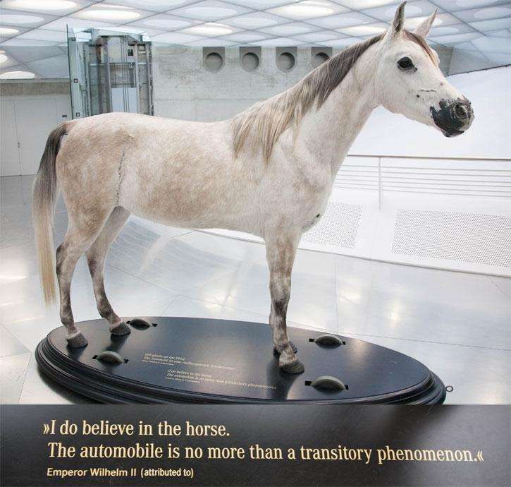 04-horse