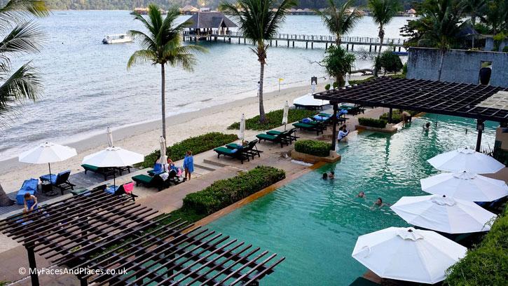 Gaya Island Resort - A gorgeous pool on the beach – life is good on Gaya Island Resort!