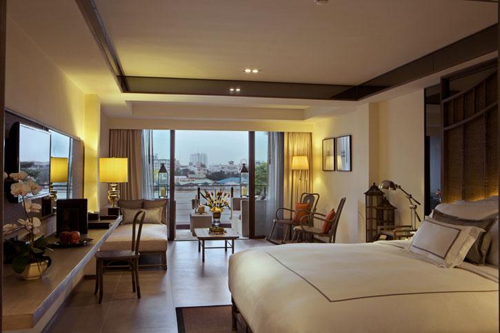 The fabulous Premium Riva Room overlooking the Chao Phraya River - Riva Surya.