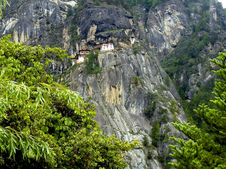 Tiger's Nest perched high up on a cliff edge - Bhutan Tiger's Nest