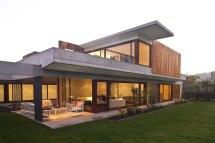 Contemporary La Dehesa House In Chile 9