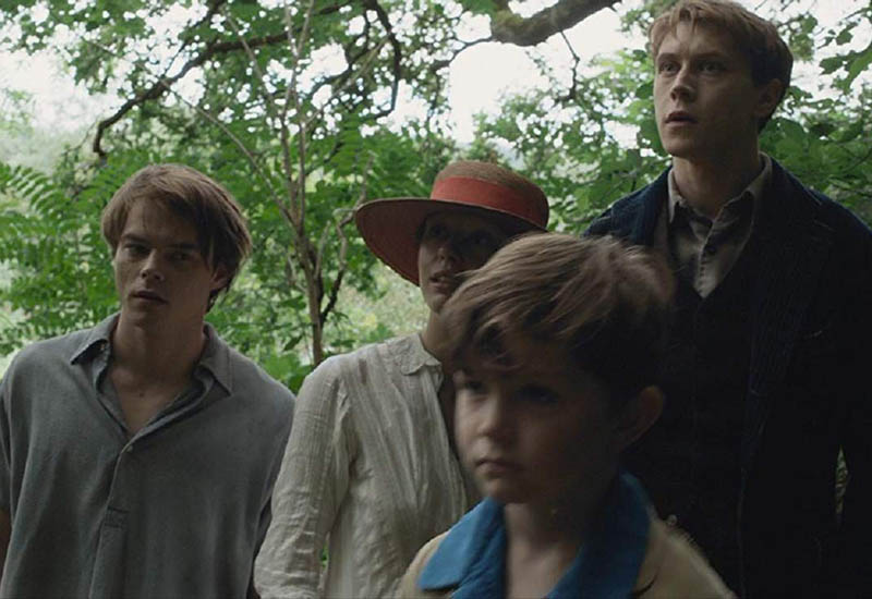 Marrowbone Review (2017) and Spoiler Ending