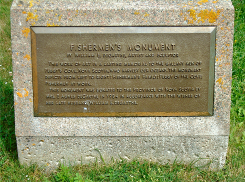 fishermans-monument-plaque-peggys-cove