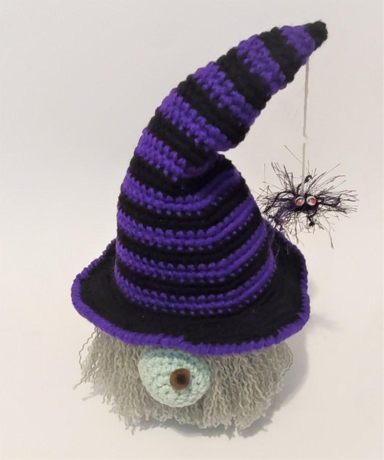 gnome halloween spider