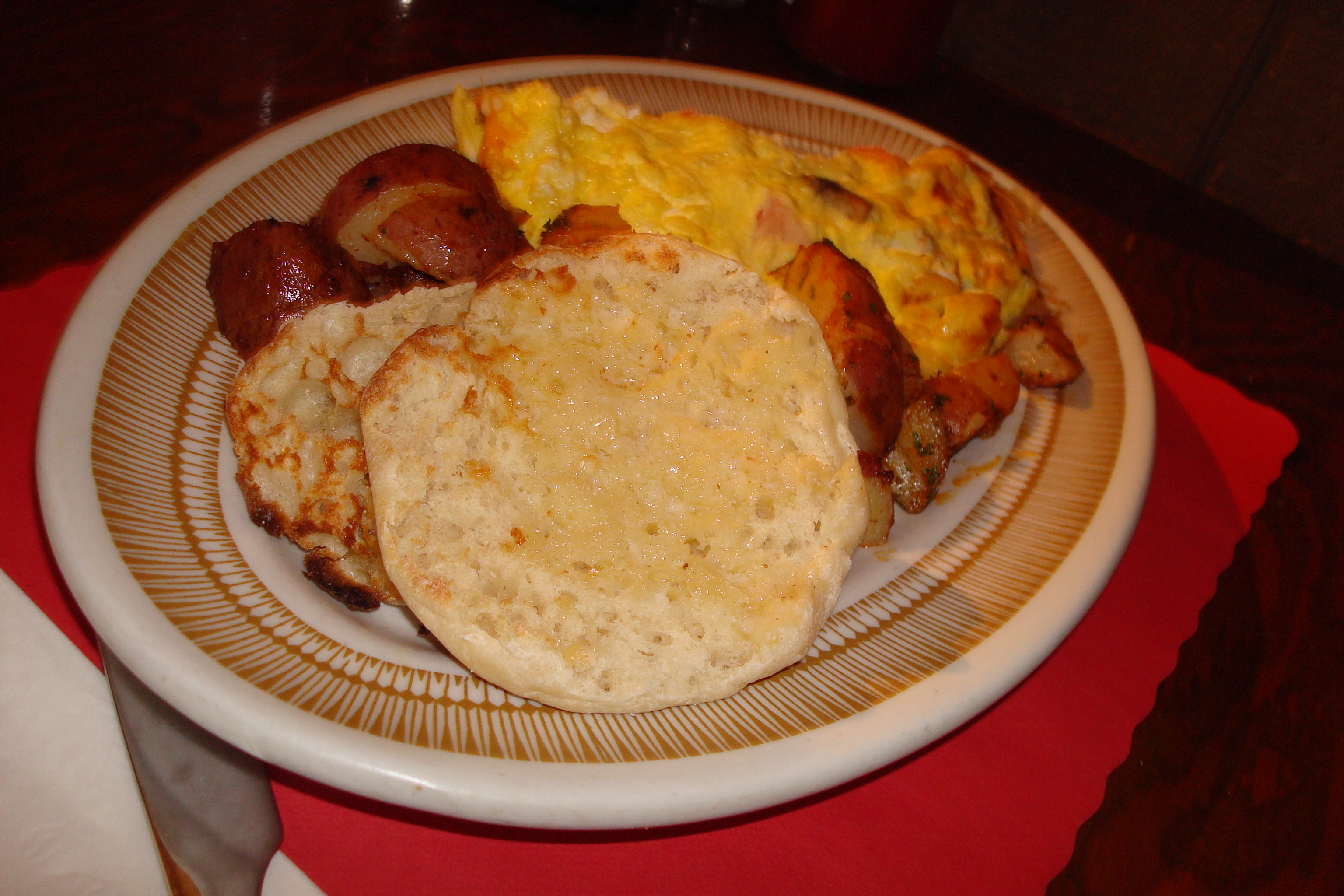 Omlette with Home Potatoes and English Muffin