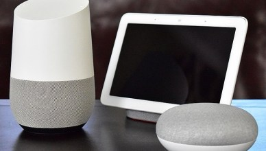 800px Google Home with Home Hub and Home Mini on table