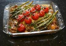 Paddestoelenrisotto met gegrilde asperges en cherrytomaten uit de oven