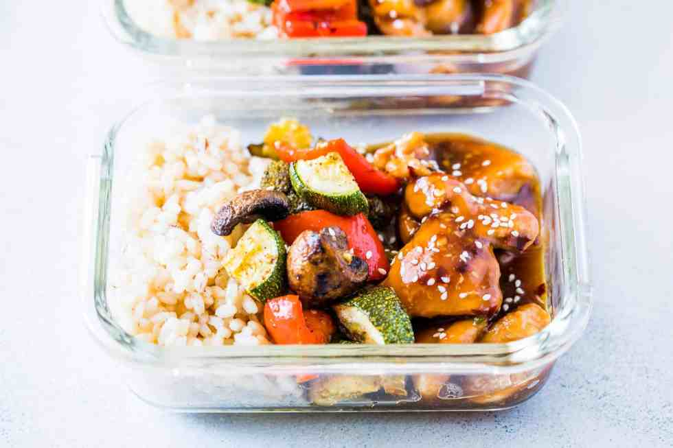Tasty Teriyaki Chicken Stir Fry Meal Prep Lunch Boxes are the easiest way to make sure you are ready for the work week ahead. Served with brown rice and grilled vegetables, it's a balanced meal!