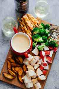 Easy Cheese Fondue Recipe with White Wine