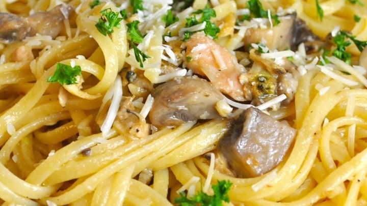 Linguine With Mushrooms Clam Sauce