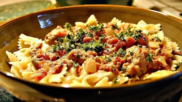 Bowtie pasta with sausage