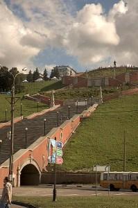 Вид на Чкаловскую лестницу с набережной