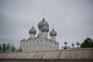 Купола Успенского собора Ростовского Кремля