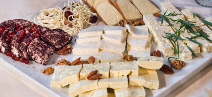 Сыр в ресторане Сахли