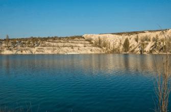 Крым, озеро в селе Скалистое