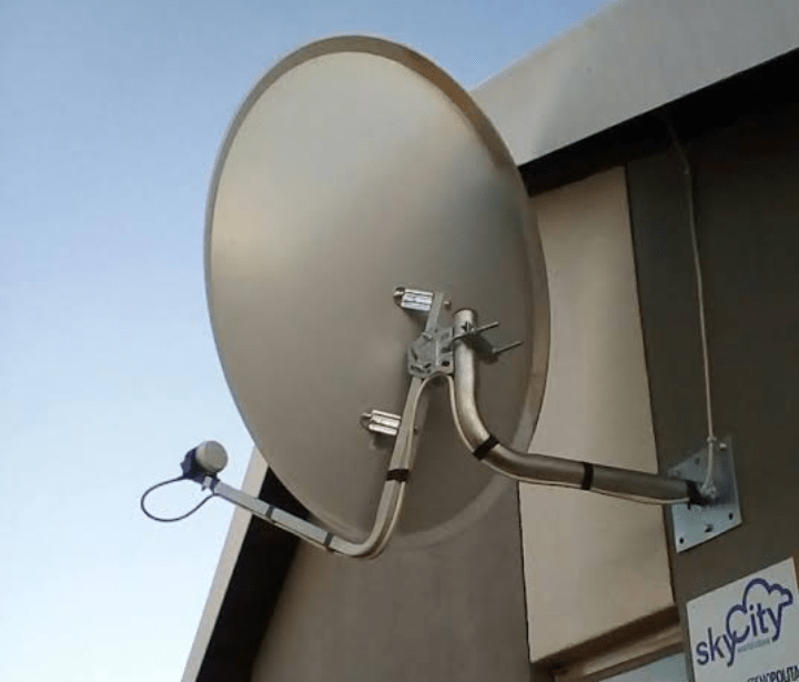 Satellite dish mounted with no obstruction