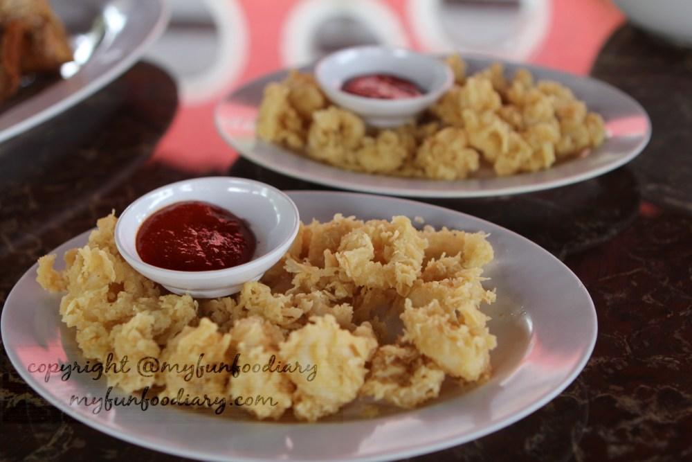 Taman Santap Rumah Kayu Serpong : Makan Enak Bonus Alam (4/6)