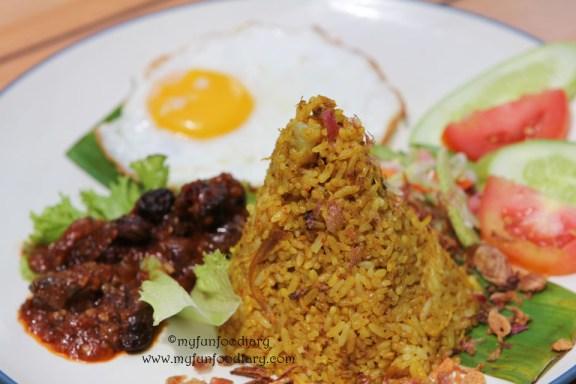 Nasi Goreng Rempah Yu Tien