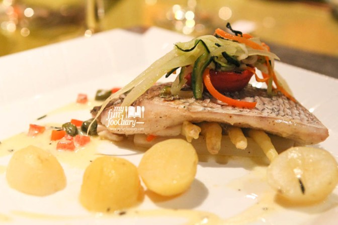 Steamed Sea Bass with White Asparagus