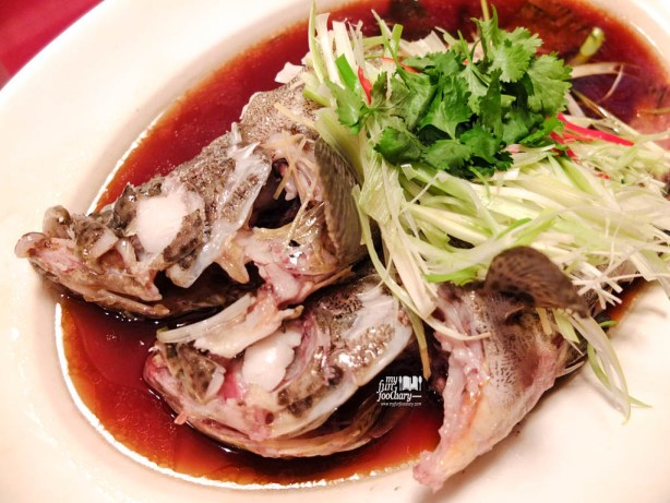 Steamed Grouper Fish with Light Soya Sauce