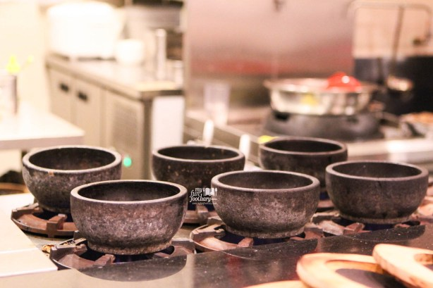 Hot Stone for Ramen at at Kazan Ramen Express Lotte Shopping Avenue by Myfunfoodiary