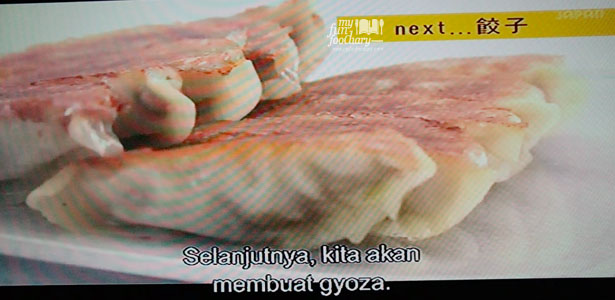 How to make Gyoza Basic of The Dishes 100 Recipes WakuWaku Japan by Myfunfoodiary - cover