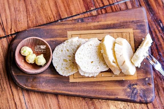 Welcome Bread Boka Buka Resto Street Gallery PIM by Myfunfoodiary