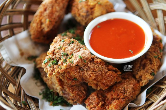 CFC Canteen Fried Chicken Wings with Sriracha Dip at Canteen Pacific Place by Myfunfoodiary 03