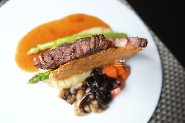 Crusted Australia Rib Eye, Asparagus & Parmesan Ruskuit at Le Signature PIK by Myfunfoodiary