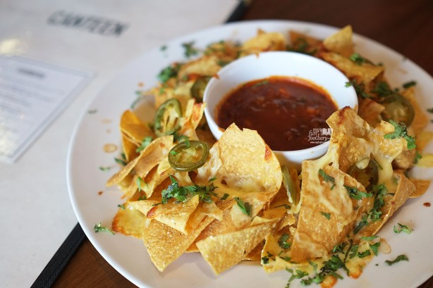 Nachos with Jalapeno and Chilli Con Carne at Canteen Pacific Place by Myfunfoodiary