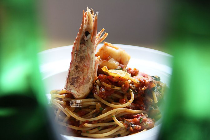 Stir-Fried King Prawn Spaghetti in Tomato Concasse at Le Signature PIK by Myfunfoodiary 02