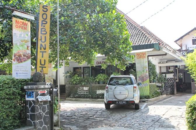 Tampak Depan Dapur Dahapati Bandung by Myfunfoodiary