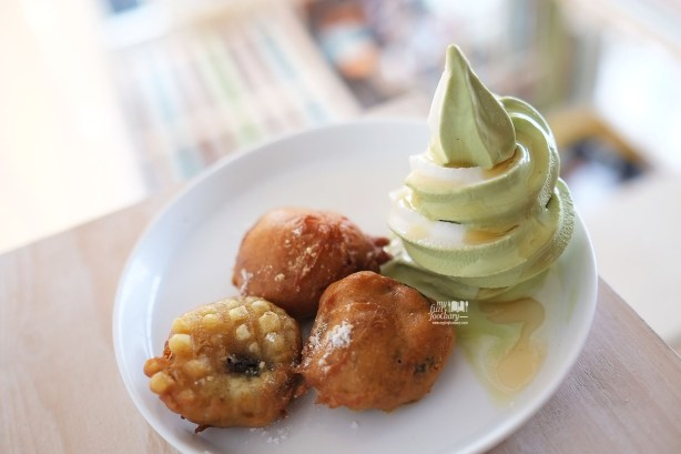 Deep Fried Oreo at Shirokuma Japanese Dessert Cafe PIK by Myfunfoodiary