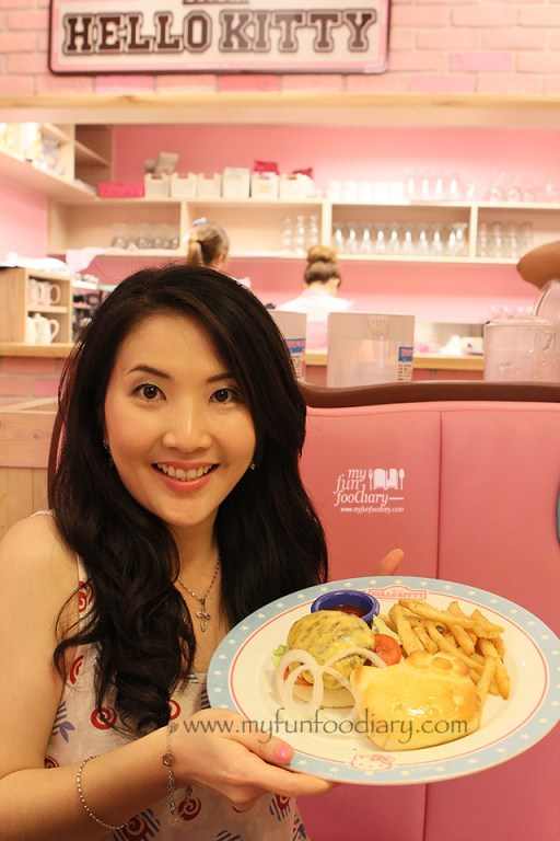 Mullie at Hello Kitty Cafe Taiwan by Myfunfoodiary