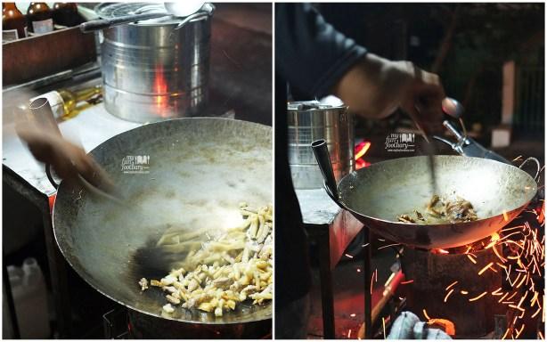 Proses Masak Nasi Goreng Pandu Cek Acong Bandung by Myfunfoodiary 02