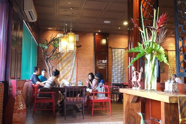 Suasana di Pala Adas Indonesian Bistro PIK by Myfunfoodiary