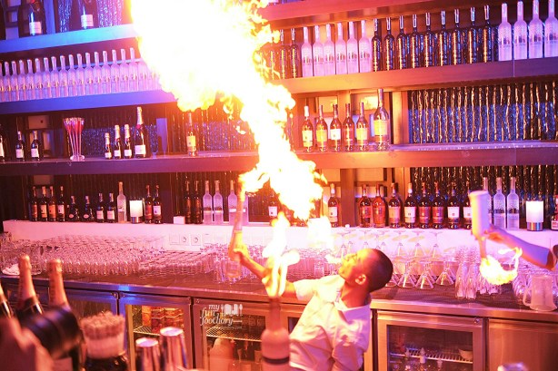 Fire Show at the Bar - BLU Shangri-la Jakarta by Myfunfoodiary