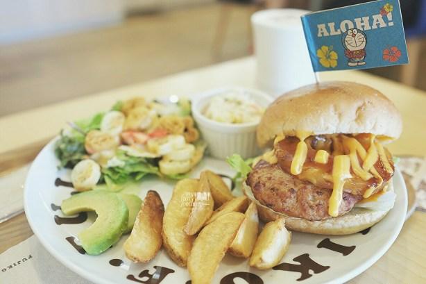 Hawaiian Dora Burger Platter at Fujiko F Fujio Museum Cafe by Myfunfoodiary