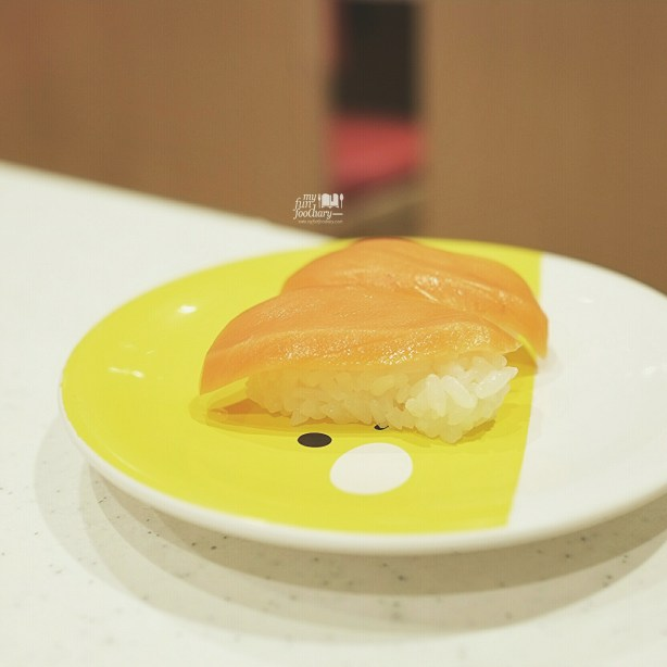 Salmon with Wasabi at Premium Sushi Train KAIO Sushi at Diver City Tokyo - by Myfunfoodiary