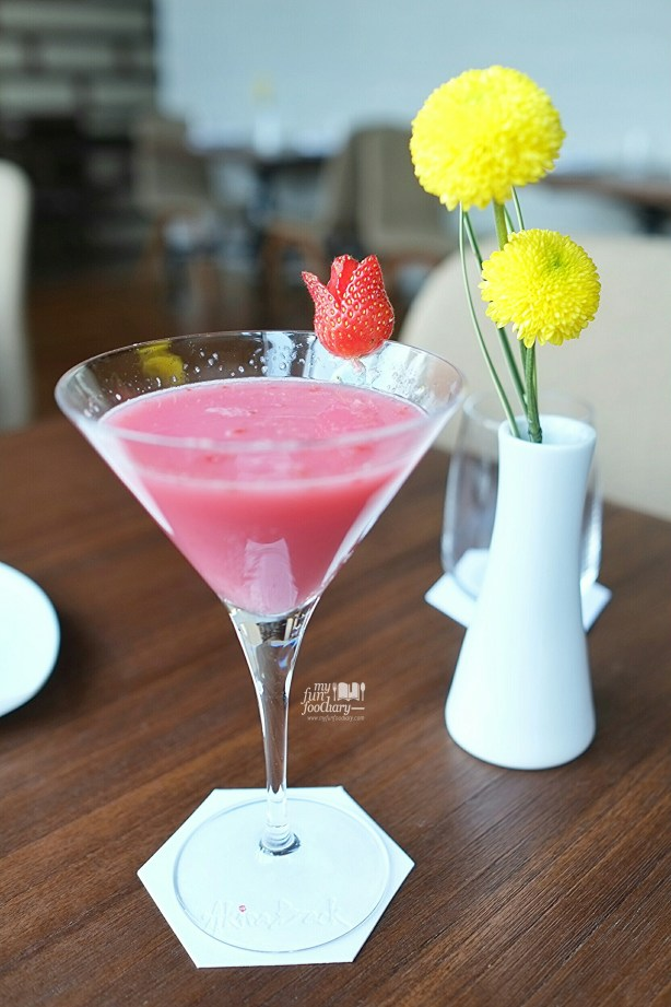AB Strawberry Martini at Akira Back Jakarta by Myfunfoodiary 02