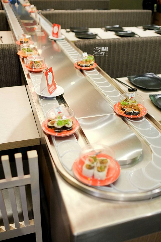 Conveyer Belt at Suntiang Restaurant by Myfunfoodiary