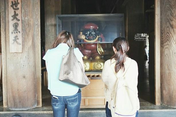 Prayers at Kiyomizudera Temple by Myfunfoodiary