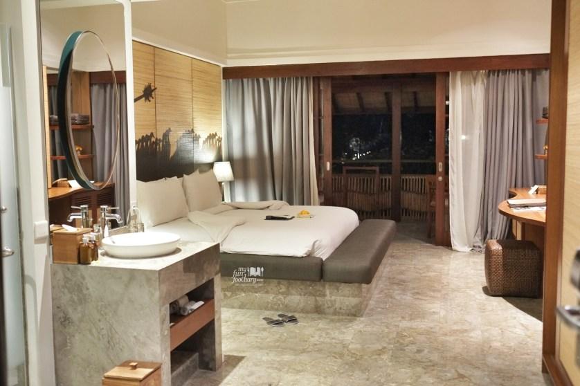 Alaya Room at Night by Myfunfoodiary