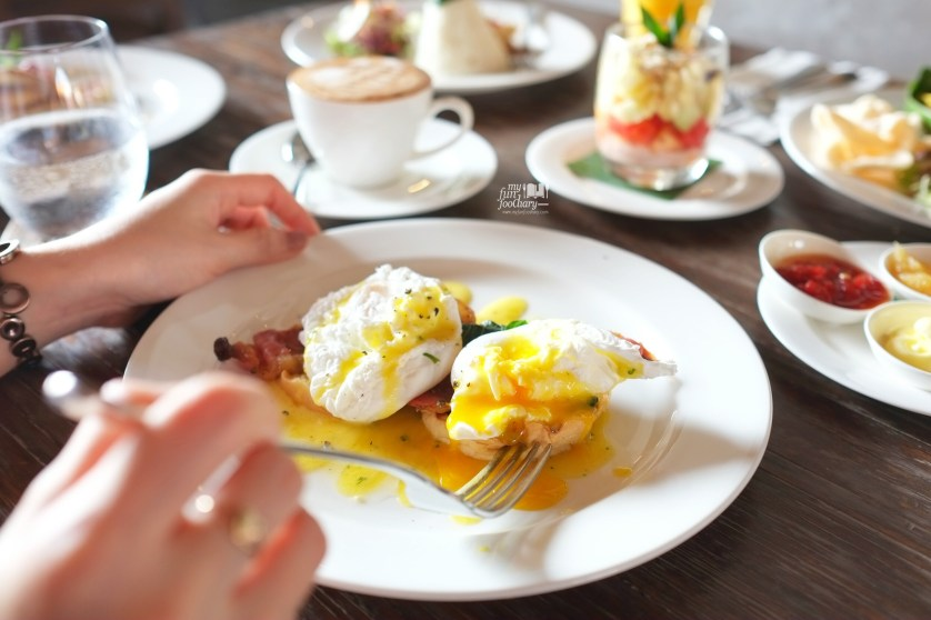 Egg Benedict at Alaya Resort Ubud by Myfunfoodiary