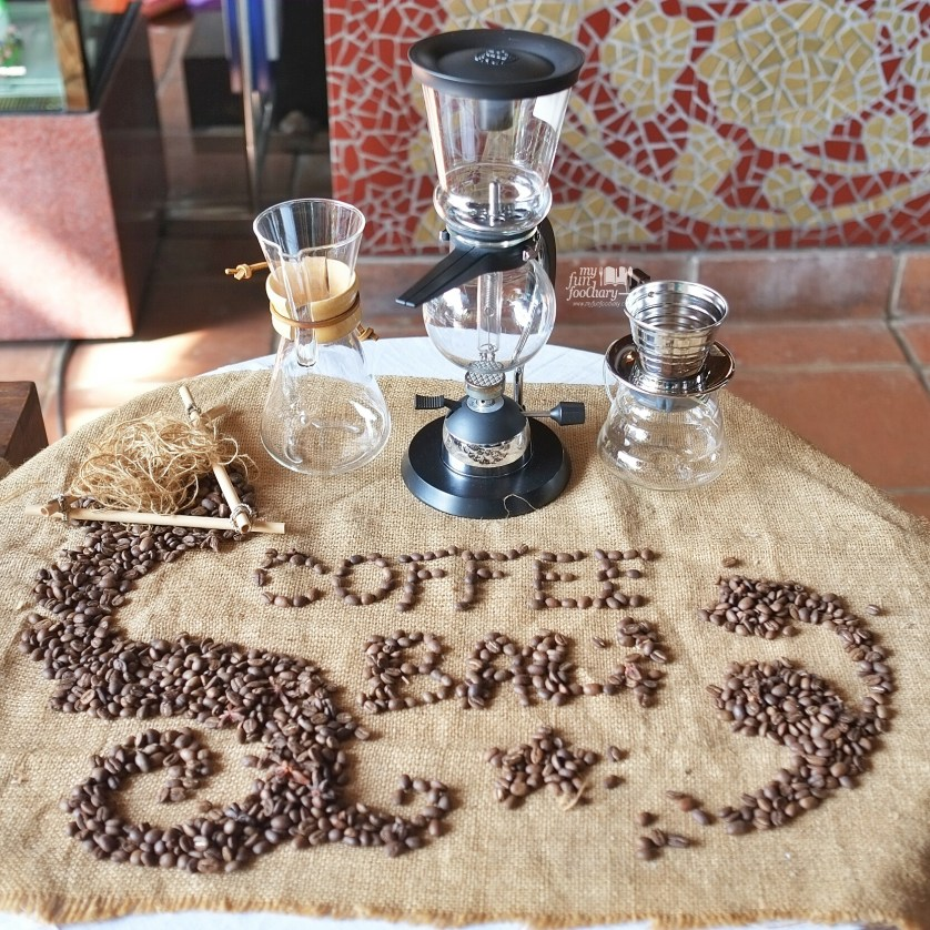 Manual Brewing Balinese Coffee at Petani Restaurant - Alaya Resort Ubud by Myfunfoodiary